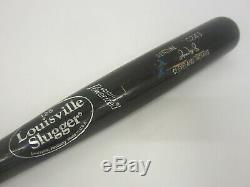 Omar Vizquel Cleveland Indians game used cracked baseball bat model C243 rare