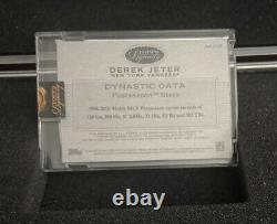 Topps Dynasty Game 2016 Used Jersey Auto Derek Jeter 3/5 New York Yankees Stripe